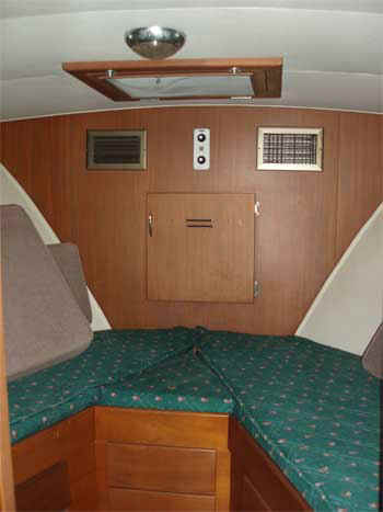 The stateroom has two comfortable berths for tired divers on the ride out.